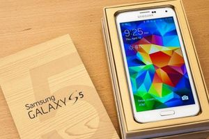 Samsung Galaxy S5. Factory Unlocked & Usable for Any SIM Any Carrier Any countries for Sale in Fort Belvoir, VA