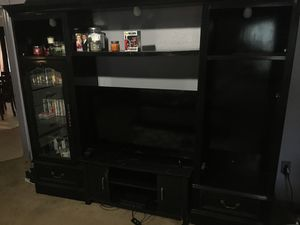 Tv entertainment center for Sale in Kissimmee, FL