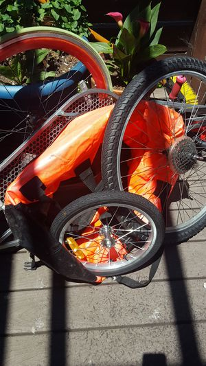 Bike trailer wiht back tire for Sale in San Jose, CA