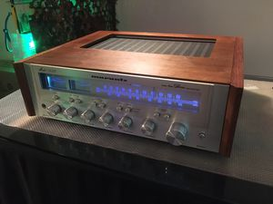 Marantz Receiver 1550 with wood cabinet and blue led for Sale in Bethesda, MD