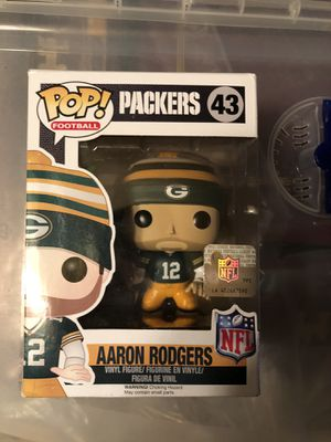 NFL Funko Pop Aaron Rodgers with knit hat **Damaged** for Sale in Hollywood, FL