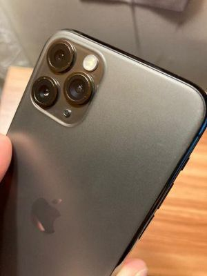 iPhone 11 pro max unlocked for Sale in Cypress, CA