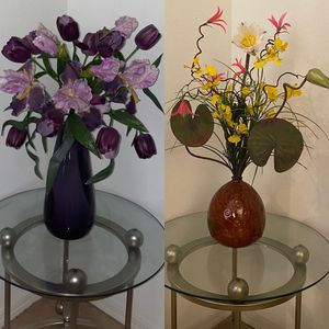 Beautiful Flower Arrangement with Vase for Sale in Riverview, FL
