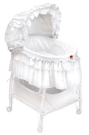 Kolcraft baby bassinet for Sale in San Diego, CA