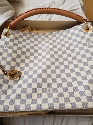 Louis vuitton bag for Sale in Montclair, CA