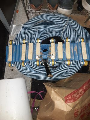 Pool vacuum cleaner with hose for Sale in Las Vegas, NV