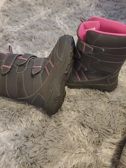 Girls Snow Boots for Sale in Hillsboro,  OR