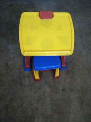 Kids desk for Sale in GLMN HOT SPGS, CA