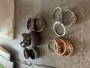 Rings- costume jewelry- size 9, some new, some used for Sale in Peoria, AZ