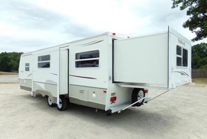 Trailer White Camper for Sale in Sterling Heights, MI