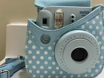 Instax Mini 8 Fujifilm w/ Case for Sale in Fairport,  NY