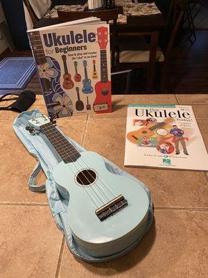 UKULELE + learners book for Sale in Lake Stevens, WA