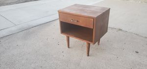 Mid Century Nightstand/bedside table for Sale in San Diego, CA