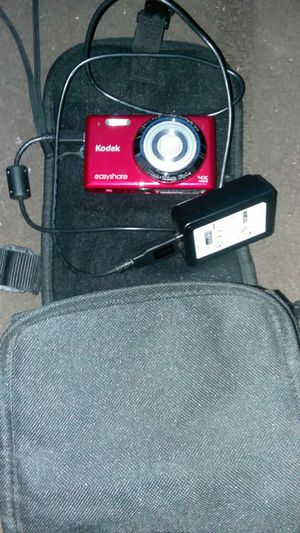 14mp Kodak digital camera with charger and case for Sale in Kingsport, TN