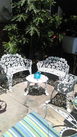 French Victorian Patio garden set 4 piezas for Sale in Orange, CA