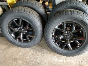 $800 245/70/17 Jeep Cherokee Rims Wheels / Tires for Sale in Bay Village, OH