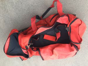 """Red Duffle Bag with Handle and Wheels 30"""" x 16"""" for Sale in Peoria, AZ"""