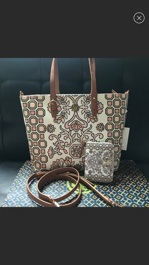 Tory tote set small bag and wallet for Sale in Denver, CO