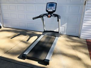 Treadmill - True Commercial Grade Treadmill - Cardio - Running - Exercise - Work Out - Gym Equipment for Sale in Naperville, IL