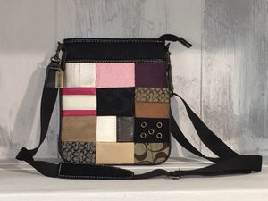 Coach messenger bag with adjustable strap for Sale in New Brighton, PA