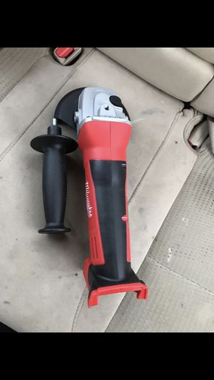 18v angle grinder Milwaukee for Sale in Columbus, OH