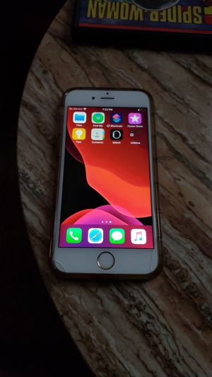 I phone 6s with apple buds for Sale in Swansea, IL