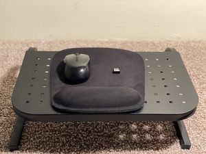 Laptop Stand w/ Wireless Mouse & Mouse Pad Included for Sale in Columbia, SC