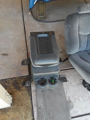 Chevy interior parts 2000 to 2007 good condition for Sale in LAKE MATHEWS, CA