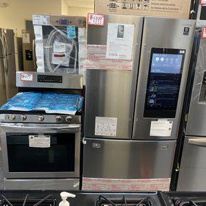 New Scratch&dent Samsung 2pc Kitchen Set:: Family Hub Refrigerator & Gas Range 5-burners Stainless Steel 6 Months Warranty for Sale in Laurel, MD