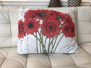 Pillow, Gerber Daisy, Tim Coffey for Sale in Henderson, NC
