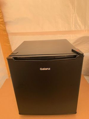 Galanz mini fridge for Sale in Inman, SC
