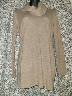 Ann Taylor LOFT tunic turtleneck sweater in Beige size Small for Sale in Annandale,  VA