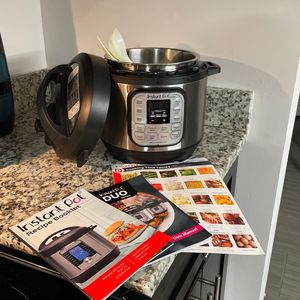 Instant Pot Duo Mini for Sale in Miami, FL