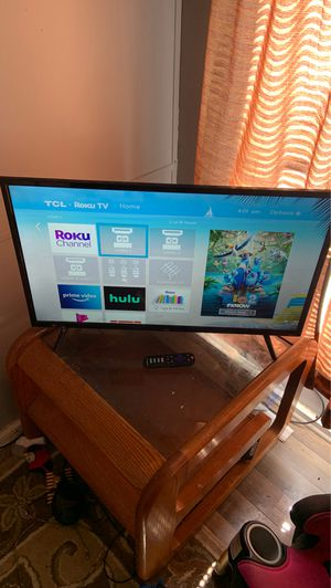 32 inch Roku TV for Sale in High Ridge, MO