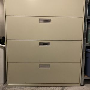 Hon 4 drawer lateral locking file cabinet for Sale in Seattle, WA