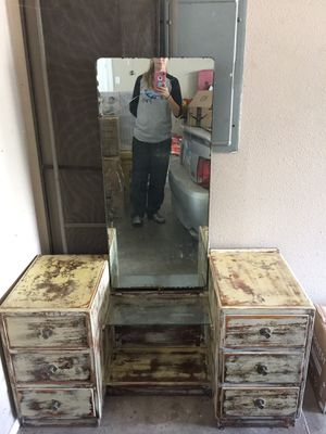 Antique vanity for Sale in San Angelo, TX