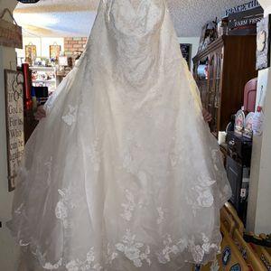 Wedding Dress Size 20 for Sale in Phoenix, AZ