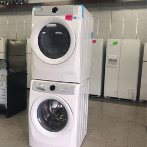 Brand New Electrolux Washer And Gas Dryer for Sale in Elkridge, MD