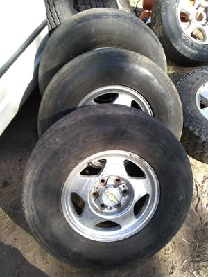 99 to 00 6 lug Tahoe z71 rims for Sale in St. Louis, MO