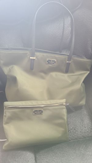 Kate spade tote and makeup bag for Sale in Tarentum, PA