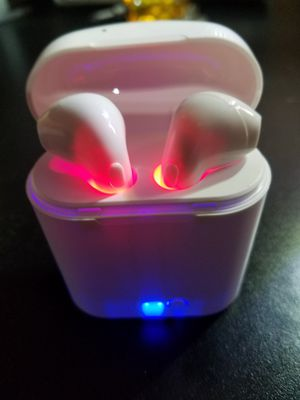 Wireless bluetooth earbuds with charging dock headphones brand new for Sale in Portland, OR