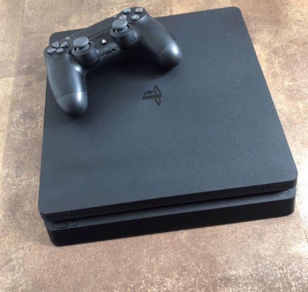 PlayStation 4 slim PS4