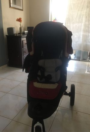 Baby stroller for Sale in North Miami Beach, FL