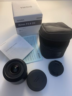 Sigma 19mm f2.8 E Mount lens for sony Mirrorless Camera for Sale in Miami, FL
