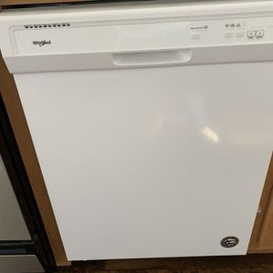 Whirlpool Dishwasher for Sale in Bakersfield, CA