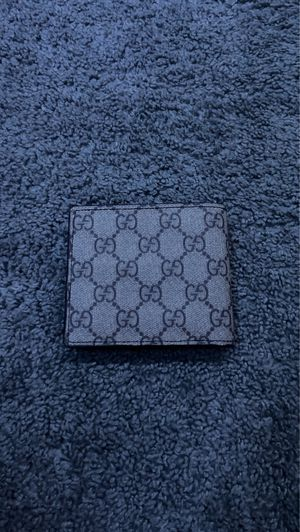 Gucci wallet for Sale in Macomb, MI