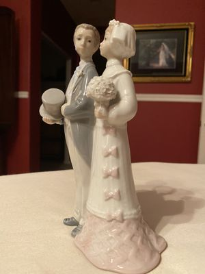 Authentic Lladro Bride and Groom Cake Topper for Sale in San Marcos, CA