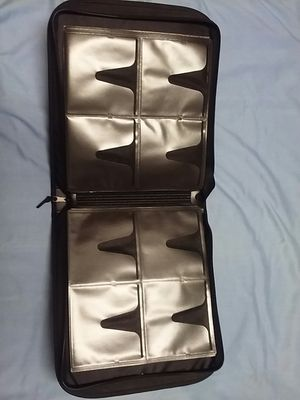 """Staples Wallet for CD/DVD, Black Nylon, 16 pages of 8 pockets each, 12""""x 11.5""""x 2.25"""" for Sale in Northfield, OH"""