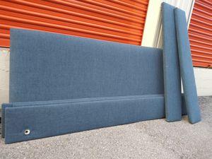 King sz blue upholstered bed frame for Sale in Nashville, TN