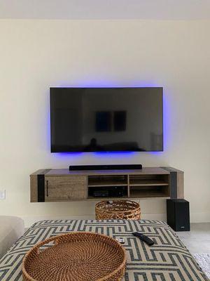 Samsung 65 QLED 4K IP TV for Sale in Miami, FL